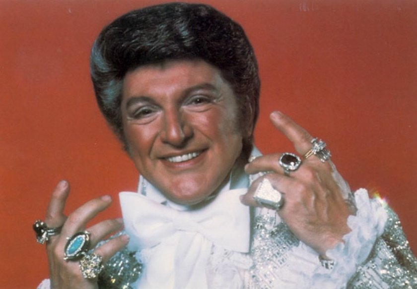 liberace-in-the-1950s.jpg
